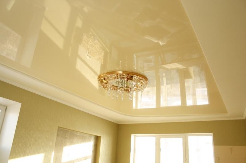 Оформление потолка в спальне своими руками: гипсокартон, обои, ткань (фото)