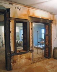 Дверной проем в несущей стене - необходимые инструменты и схемы