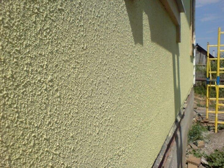 Фасадная краска для наружных работ по дереву на основе растворителя и воды