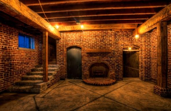 Свет в подвале жилого дома и гаража своими руками